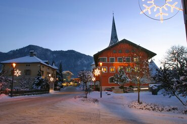 Pre-christmas atmosphere in village centre of Kundl in Winter