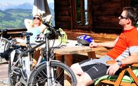 Relaxing after a E-Bike tour | © Alpbachtal Seenland Tourismus | Gabriele Grießenböck