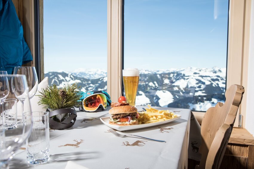 Tasteful food at the mountain | © Ski Juwel Alpbachtal Wildschönau | shoot+style