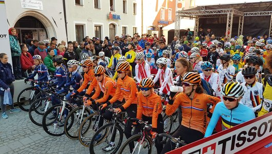 RadWM 2018 Juniorinnen am Start in Rattenberg