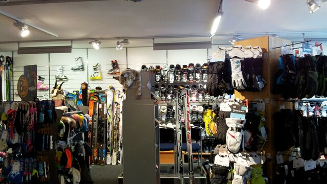 Conny's Sportshop Inneralpbach Sortiment | © Conny's Sport