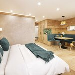 Photo of Suite, shower, toilet, 2 bed rooms